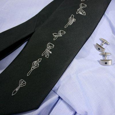 Krawat z instrukcja wiązania prezenty dla mężczyzny