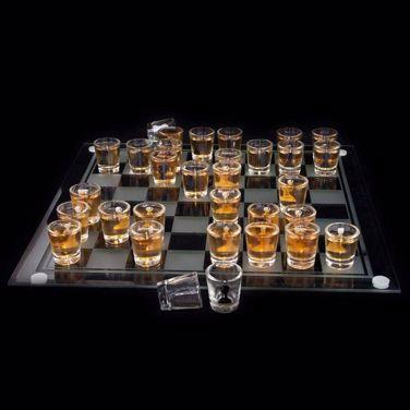 Imprezowe szachy prezent dla chłopaka