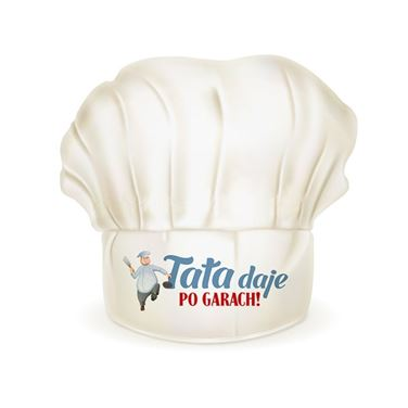 Czapka szefa kuchni Tata daje po garach prezent dla taty