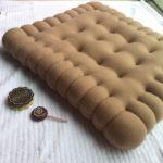 Poduszka gigantyczny herbatnik śmieszny prezent