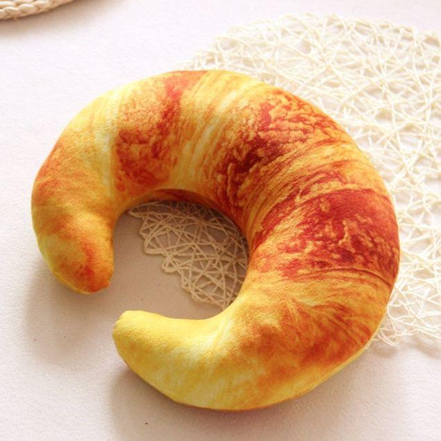 Poduszka croissant prezent dla niej