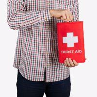 Gigantyczna piersiówka Thirst Aid prezent dla taty