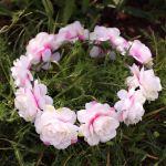 Wianek piwonie nakrapiane różowo białe gadżety na wieczór panieński