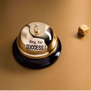 Biurkowy Dzwonek na Sukces prezent dla szefa