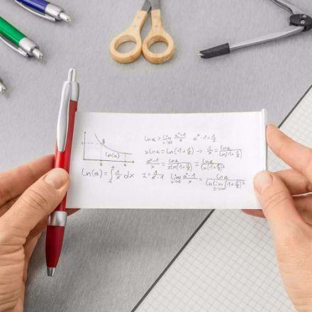 Długopis ze ściągą gadżety na uczelnie