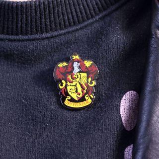 Harry Potter – Przypinka Gryffindor gadżety gryffindor
