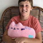 Pusheen Poduszka – Różowa poduszka dla dziecka